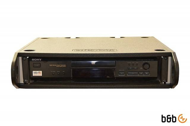 Standard_Sony__Denon_CD-Player